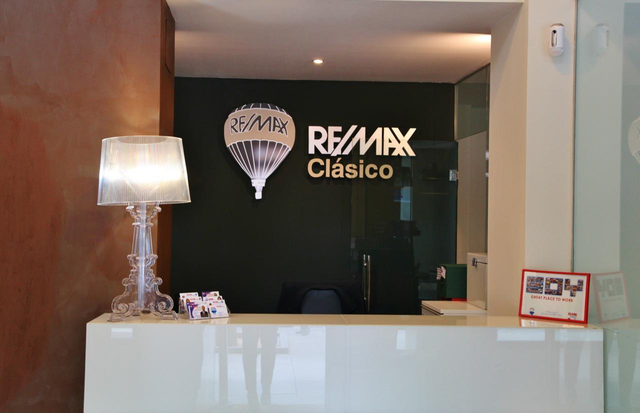 RE/MAX Distrito Clásico