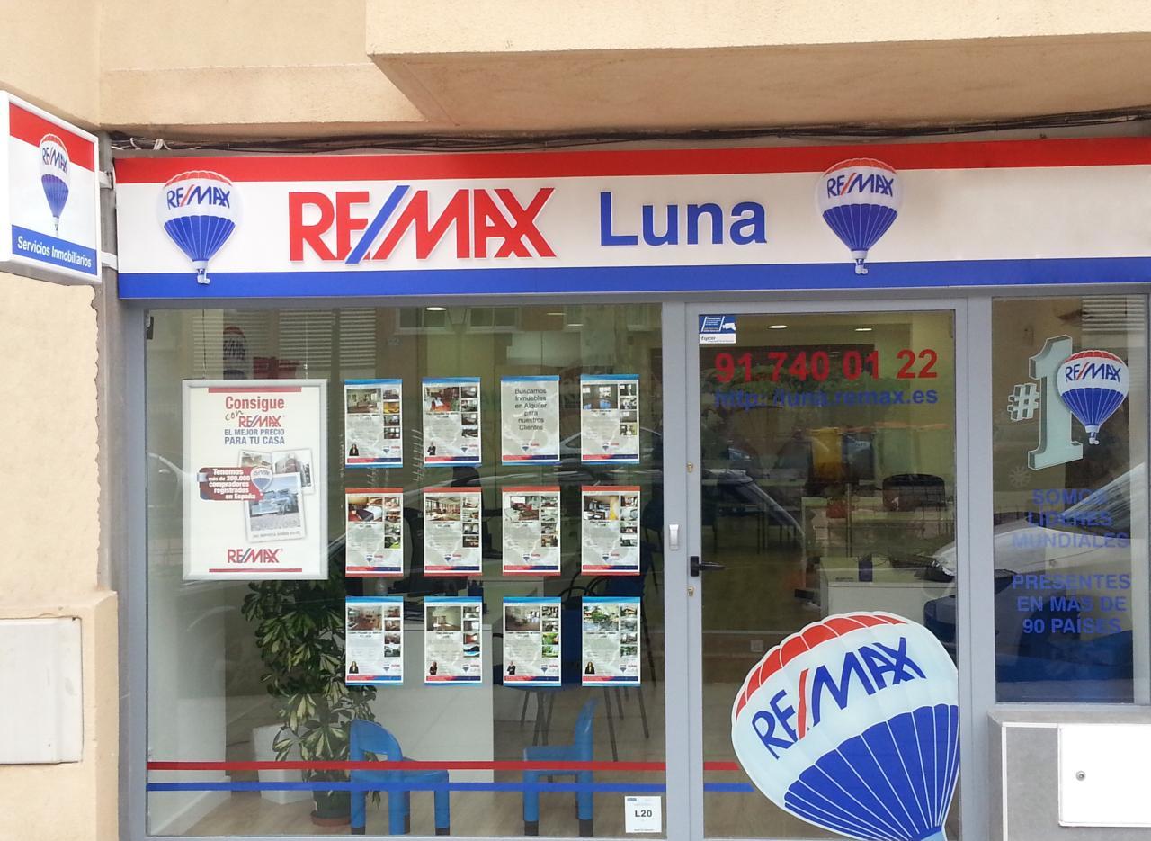 RE/MAX Luna