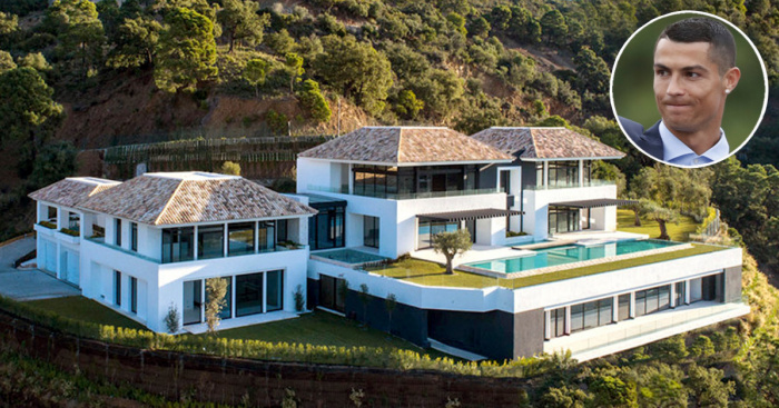 Het luxe herenhuis in spanje waar het gezin van ronaldo op