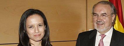 la ministra de vivienda junto al ministro de economía