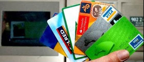 pagar con tarjeta podrá llevar una comisión