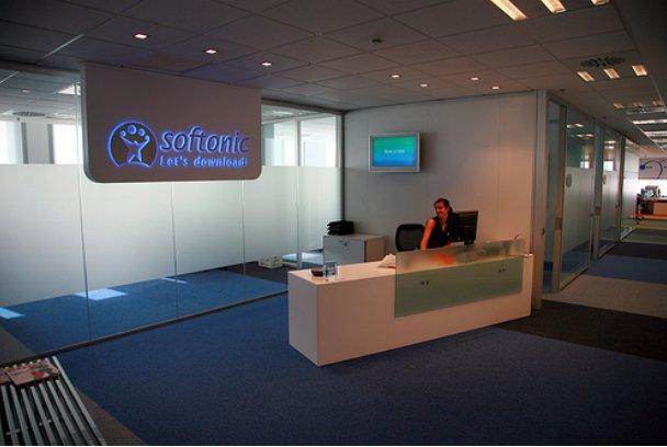 Softonic fotos de las oficinas del portal m s visitado de for Idealista oficinas madrid