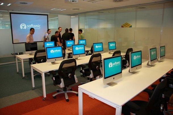 Softonic fotos de las oficinas del portal m s visitado de espa a idealista news - Idealista oficinas madrid ...
