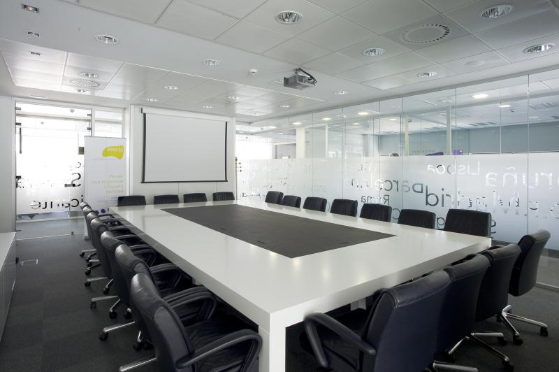 Everis fotos de las oficinas de una de las mayores consultoras en espa a idealista news - Idealista oficinas madrid ...