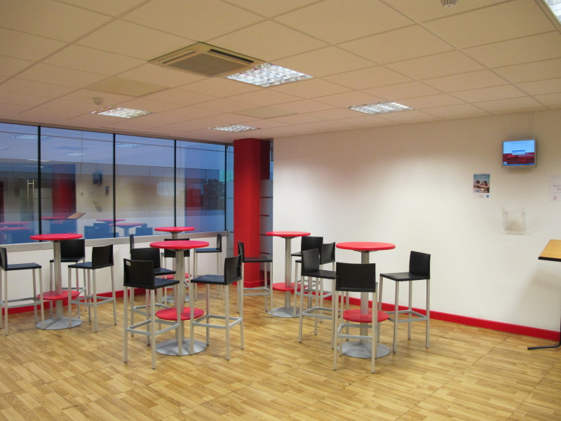 L nea directa fotos de las oficinas de una de las mayores for Idealista oficinas madrid