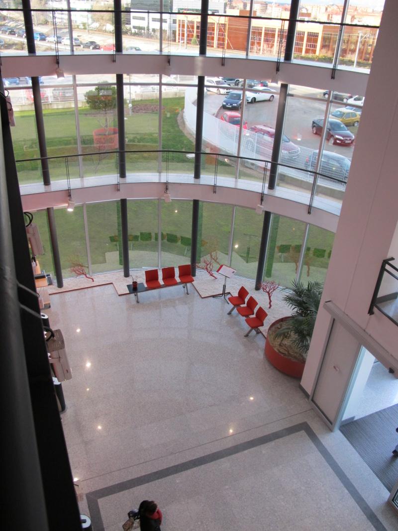L nea directa fotos de las oficinas de una de las mayores aseguradoras en espa a idealista news - Oficinas de mutua madrilena ...