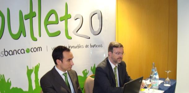 óscar Reyes, director General de desbanca.com y Fernando Cos-Gayón, presidente del Grupo Ágora