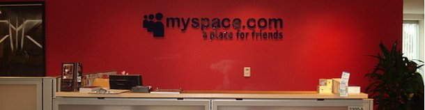 sede de myspace en beverly hills, california