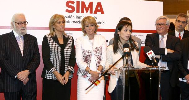 beatriz corredor y esperanza aguirre en la inauguración de sima 2010