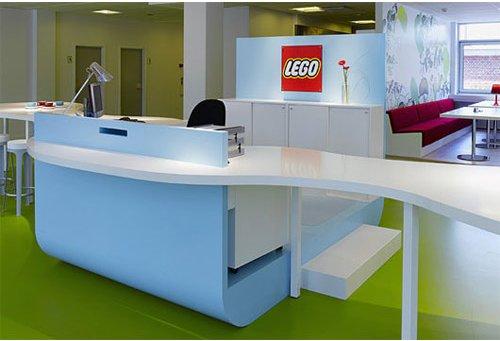 """Lego: fotos de las oficinas de """"juguete"""""""