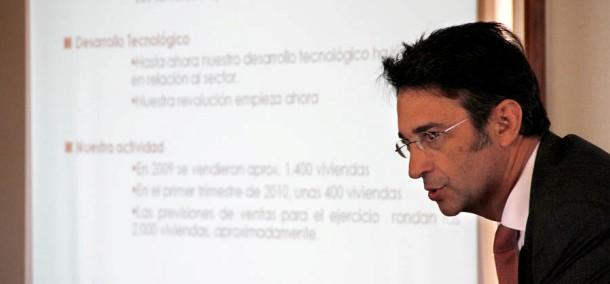luis corral, fundador de foro consultores, en un momento de la presentación de su nueva web