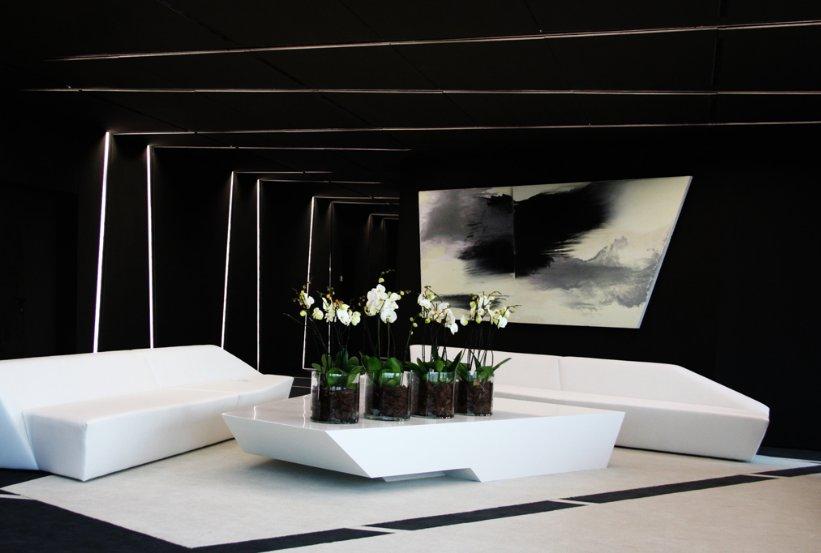 fotos de las oficinas futuristas de la torre de mutua