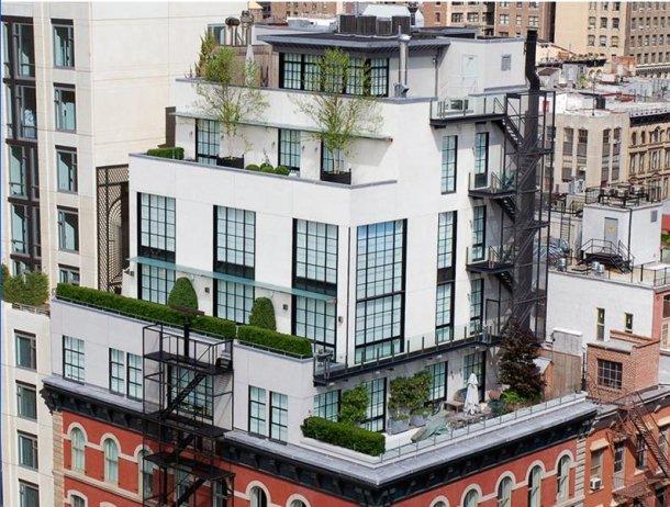 terraza con vistas al barrio de soho en manhattan (nueva york)