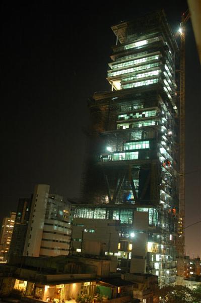 La casa más grande y cara del mundo (fotos)