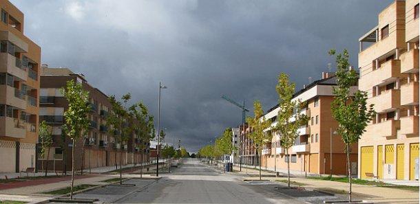 vista de una de las calles de yebes (guadalajara)