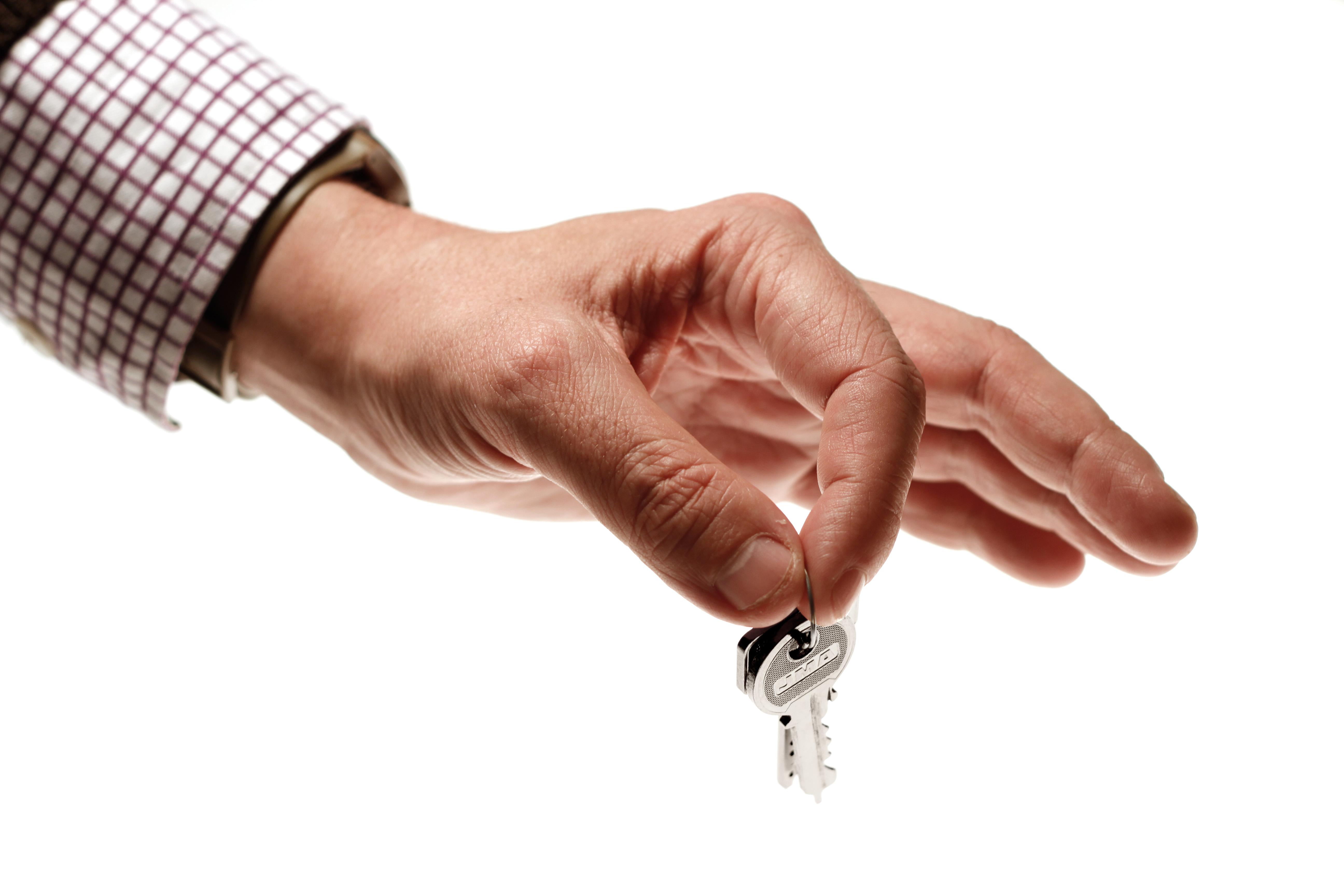 entrega de las llaves al banco