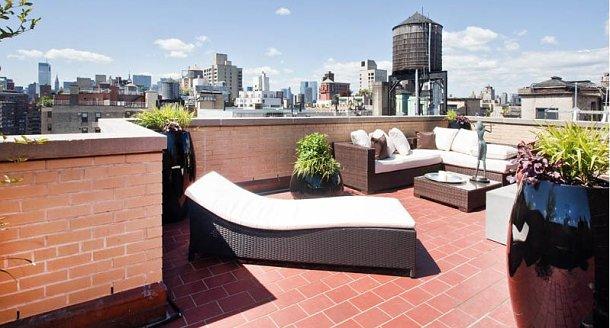 terraza con impresionantes vistas a manhattan