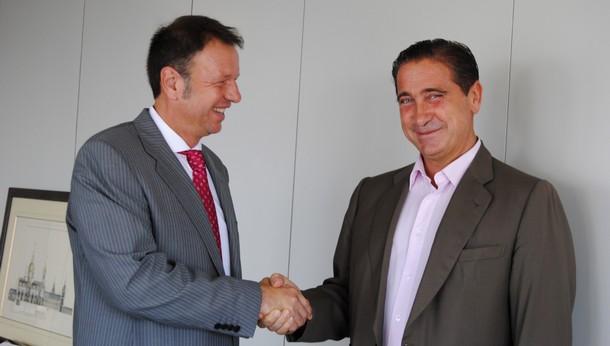 de izquierda a derecha: Jesús Gil Marín, consejero delegado de Gilmar, David Taboada  presidente de Dataga Eastern