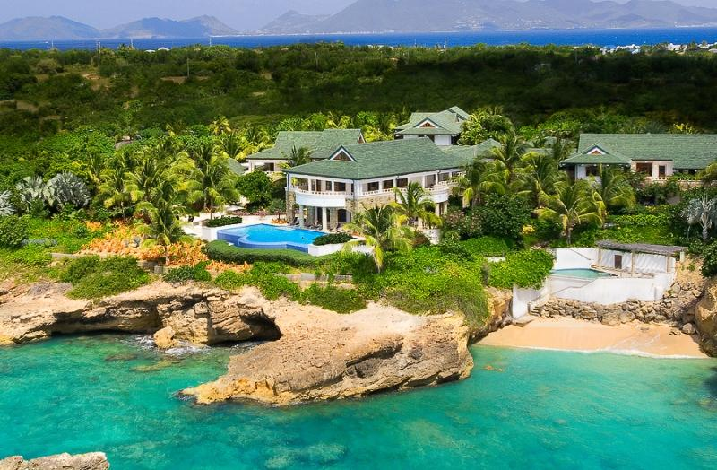 Villa tropical en las turquesas aguas del caribe (fotos)