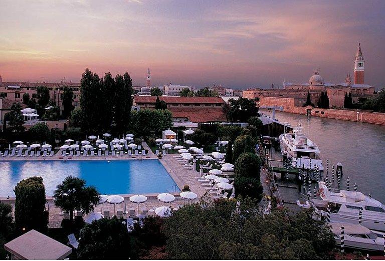 Hotel cipriani el mayor lujo en venecia para disfrutar for Hoteles de lujo en venecia