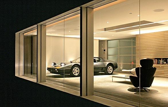 Casas de lujo donde el coche duerme en el salón (fotos)