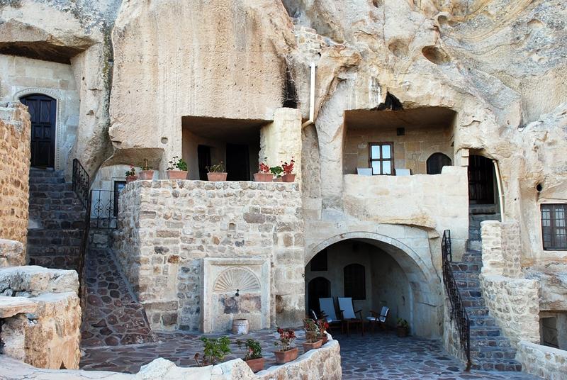 habitaciones dentro de cuevas en capadocia (turquía)