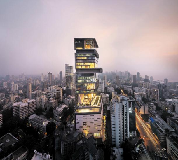 la casa tiene más de 37.000 m2 repartidos en 27 plantas