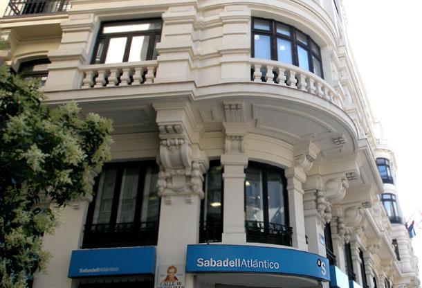 una de las oficinas de banco sabadell