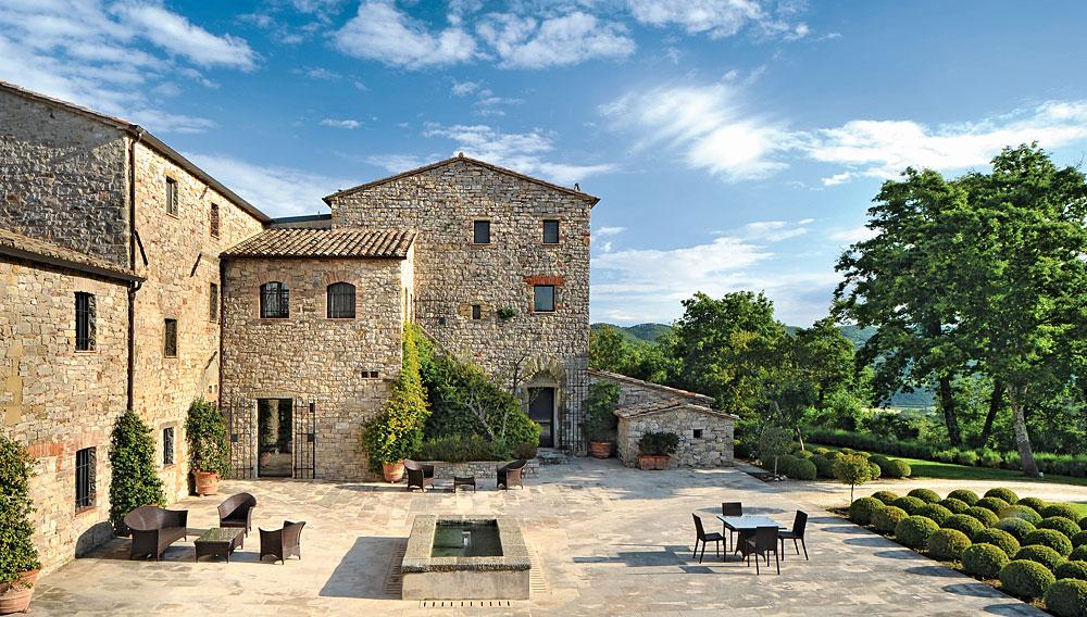 viaje al pasado hasta un castillo cerca de la toscana italiana