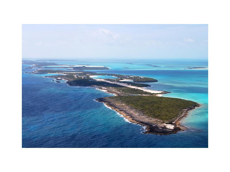 vista aérea de cave cay, en las bahamas