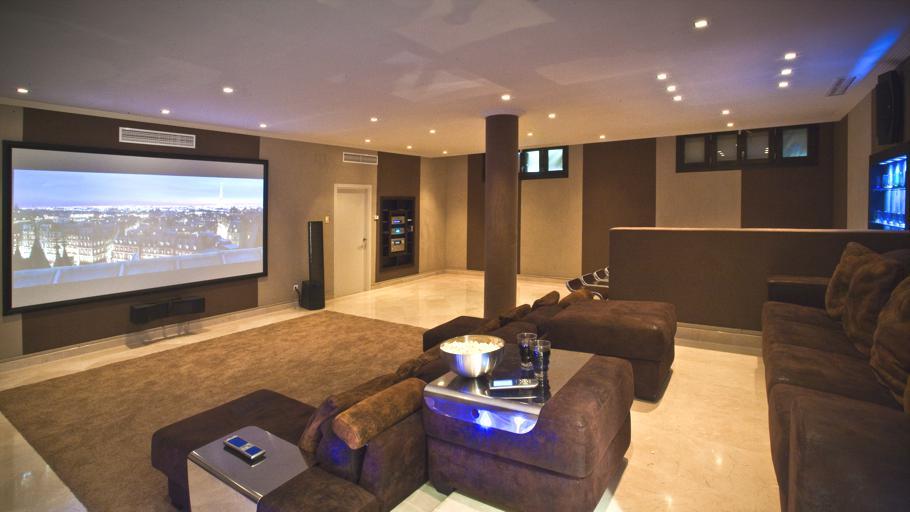 Cl sica por fuera moderna por dentro en marbella for Ver fotos casas modernas por dentro