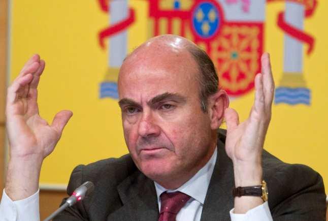El gobierno negociará con la banca una solución para los desahucios