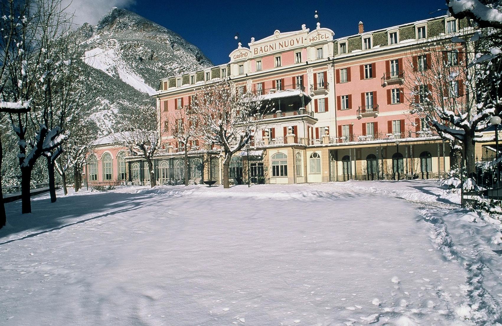 termas en el hotel bagni nuovi de los alpes