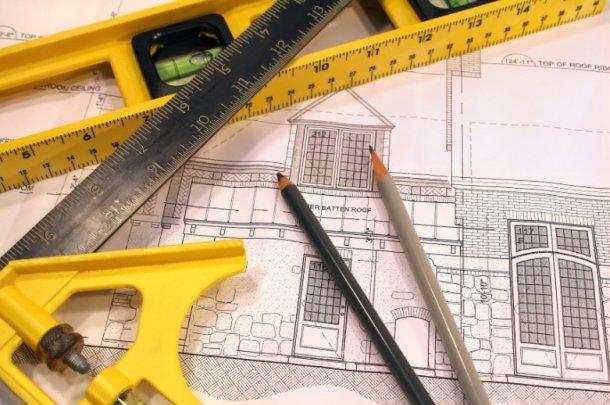 la crisis reduce puestos de trabajo y sueldos a los arquitectos