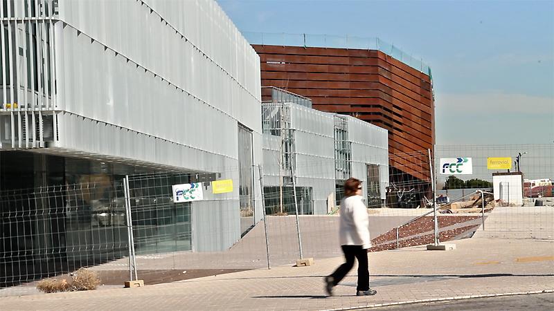 Errores/horrores urbanos: el creaa de alcorcón, 150 millones dilapidados en un circo gigante sin acabar