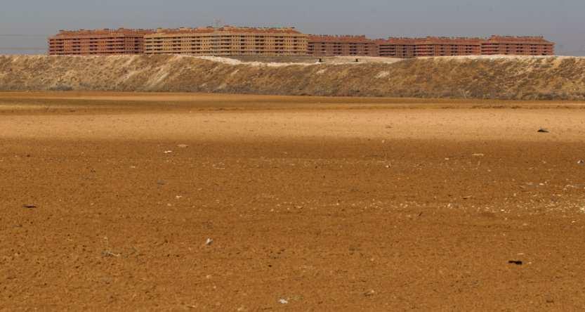 el precio del suelo urbano en españa sigue perdiendo valor