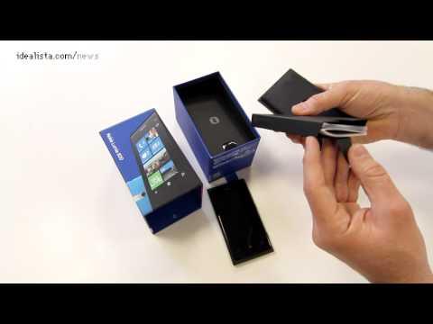 Unboxing del lumia 800 y comparativa de peso y tamaño con iphone 4 y samsung galaxy