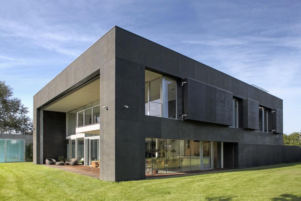 exterior de la vivienda-fortaleza