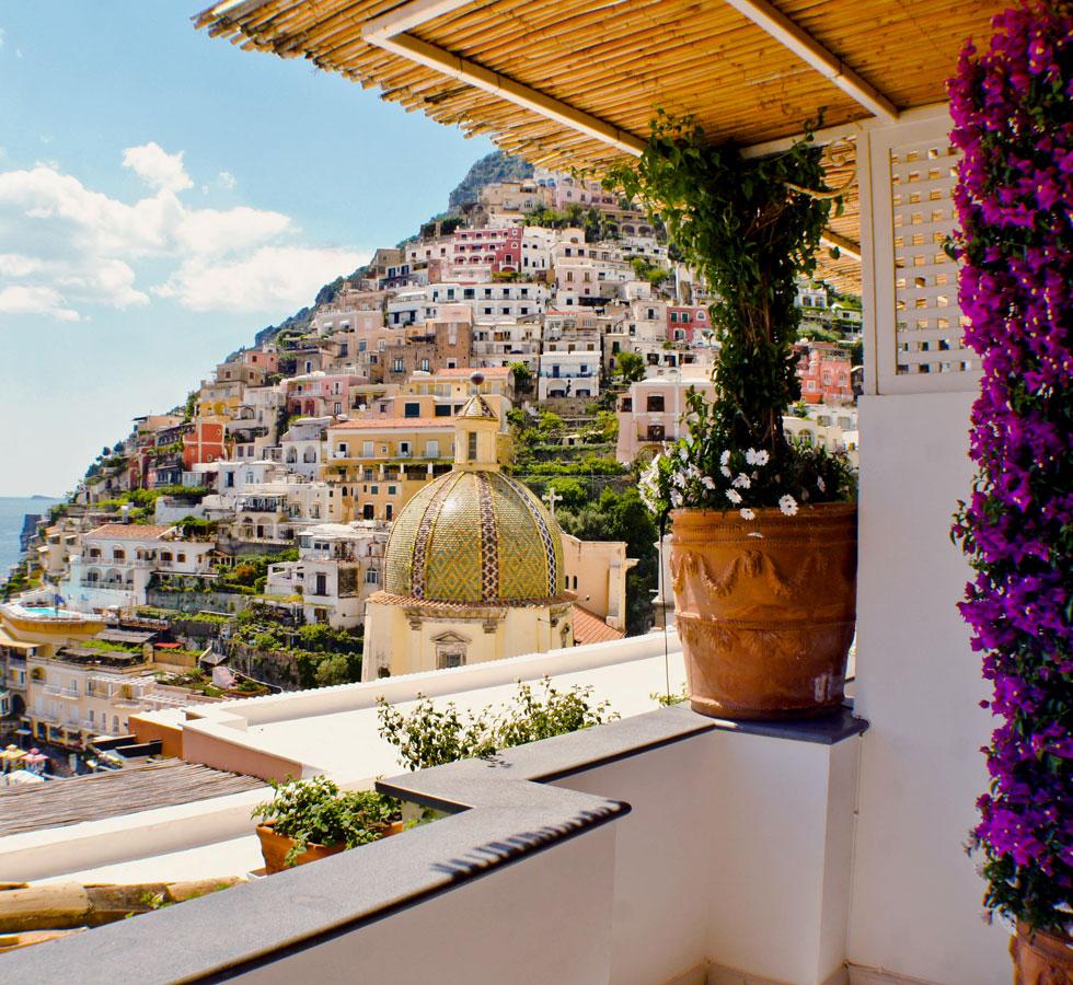Hoteles con encanto le sirenuse un hotel para admirar for Hoteles con encanto y piscina