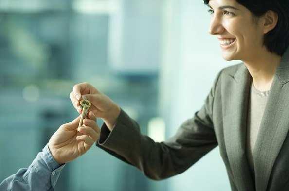 encontrar un buen inquilino es fundamental para alquilar tu casa