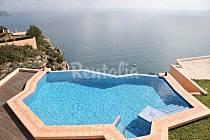Las casas con jacuzzi más bonitas para alquilar este verano en España, Italia y Portugal (fotos)