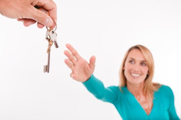 el alquiler se impone a la compra de vivienda forzosamente