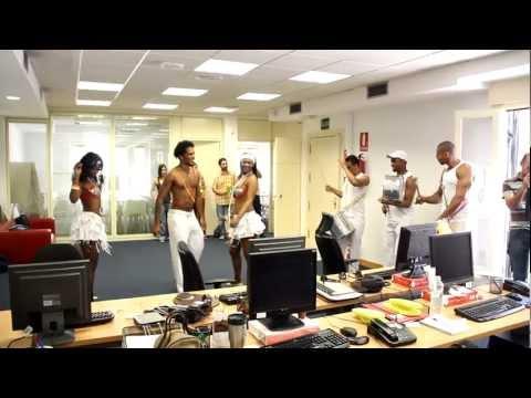 Y de repente... sonaron los tambores en las oficinas de idealista.com (video)
