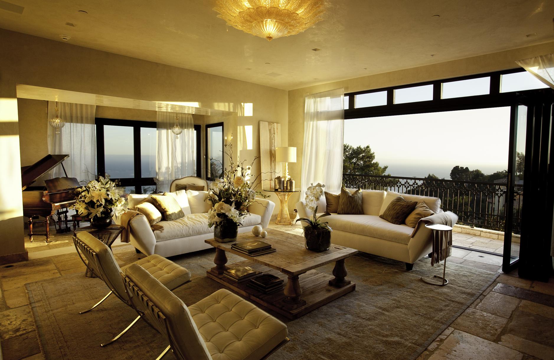 Casa de ensue o una mansi n de lujo en la playa de los for Sala de estar de mansiones