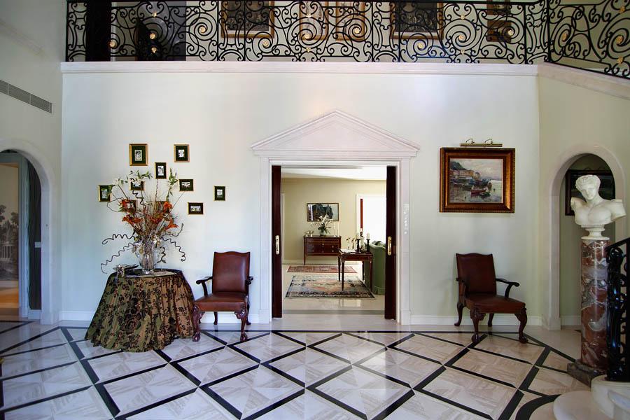 Un Palacete En La Urbanizacion De La Florida Irrumpe En El Top 10 De