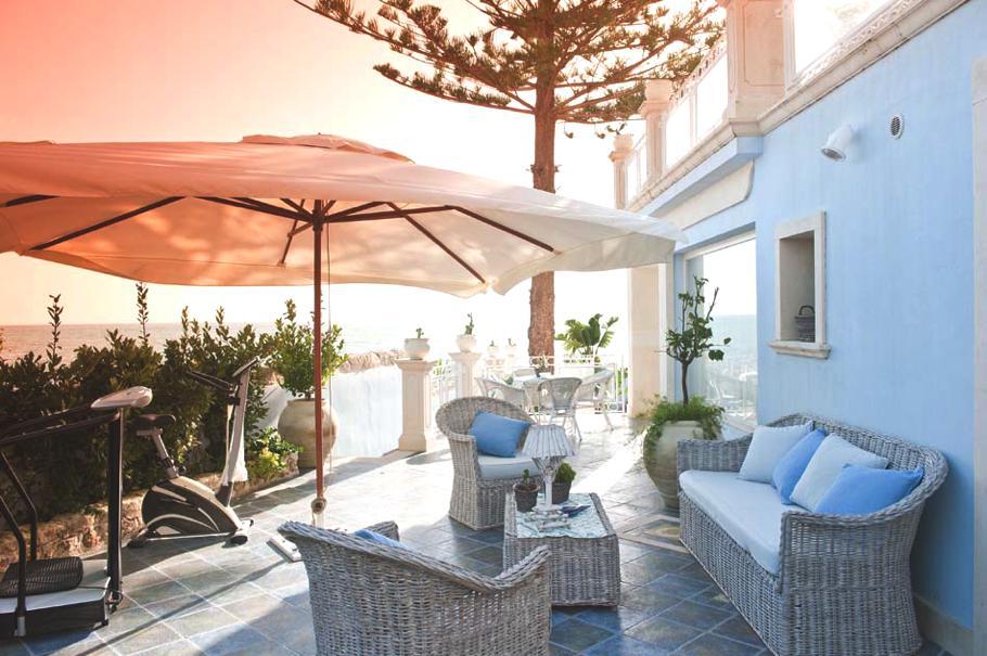 Casas de ensueño: una villa exclusiva en una de las mejores playas de sicilia