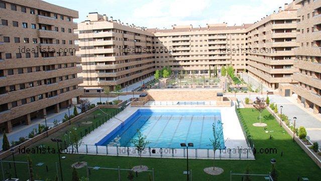 Los 50 pisos nuevos con piscina m s baratos de espa a idealista news - Pisos con piscina en madrid ...