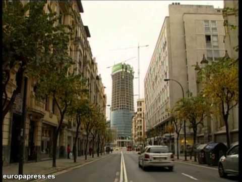 El paro baja en España durante julio por cuarto mes consecutivo (gráficos)