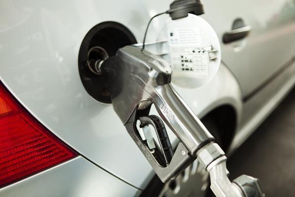 el precio de los carburantes se mueve en máximos