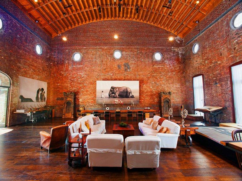 sala de conciertos transformada en loft